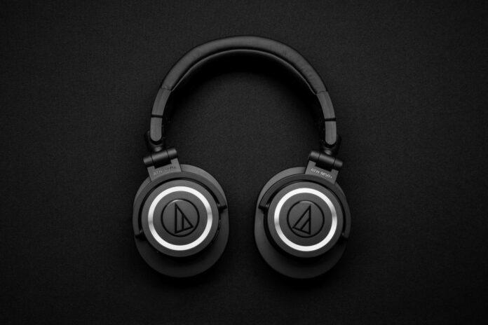 wireless Bluetooth headset