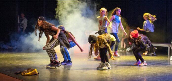 dancing hip hop sneakers